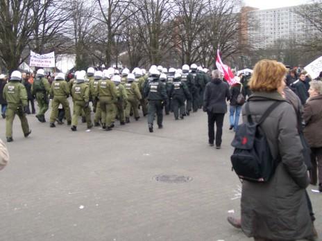 und plötzlich war da jede Menge Staatsmacht, warum, die Kundgebung war friedlich?