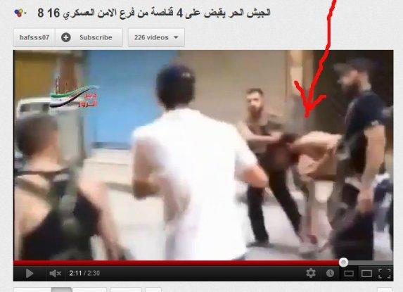 An den Haaren durch die Straßen gezerrt von einem wahabitischen fanatischen bewaffneten Mob