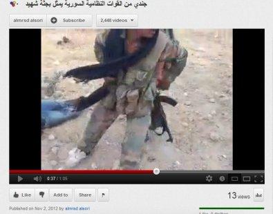 Typischer Fransenschal der heiligen FSA-Krieger