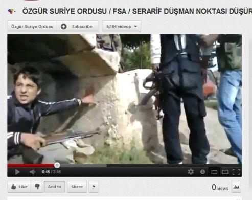 Kindersoldat bei Idlib mit Kalaschnikow