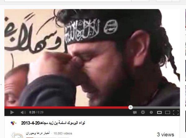 Von der FSA zum Al-kaida-Milizionär geworden oder so wie ich es vermute, sie sind beides... Auch kaltblütige Mörder können weinen wenn es um ihre Interessen geht.