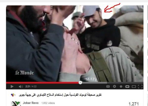 Wurde für die NATO-LeMonde-Agenten eine Inszenierung aufgeführt? Der Mann lacht ganz deutlich.