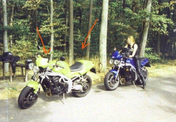 Das vordere Motorrad in grün