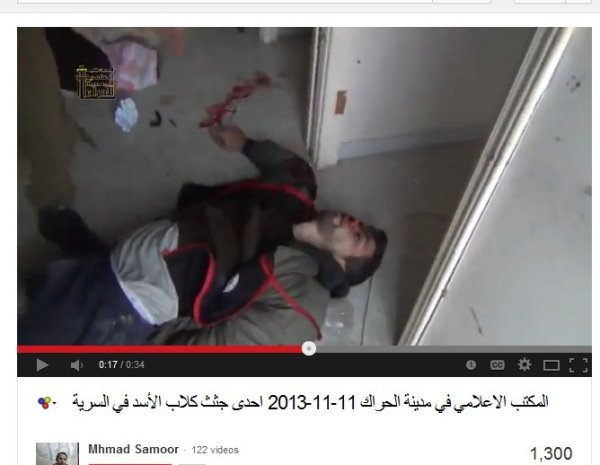 Das gleiche Logo im Video wie bei den anderen ermordeten Soldaten. War er ein UN-Angestellter?