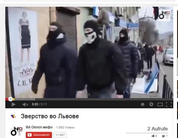 Livi, die gleiche Fahnen wie am Kiewer Euromaidan