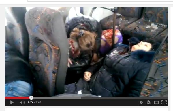Ein Bus mit Zivilisten getroffen