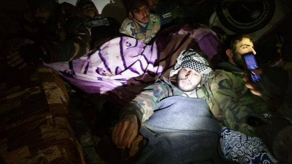 Aleppo Noch am Leben B-KVY3YIEAE1luz