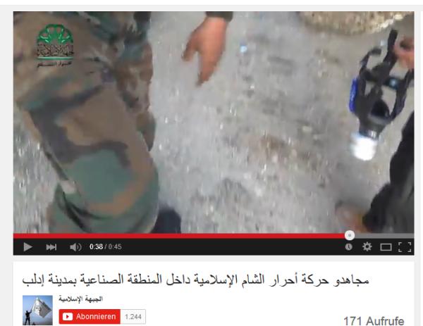 Idlib Terrorist mit Gasmaske
