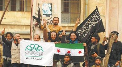 Drei banner eintächtig vereint CBZ4hLaWEAAk64g